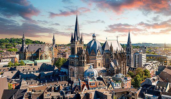 Aachen Skyline bei Sonnenuntergang