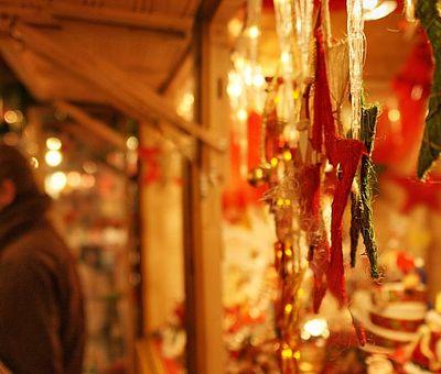 Verkaufsbude auf dem Aachener Weihnachtsmarkt