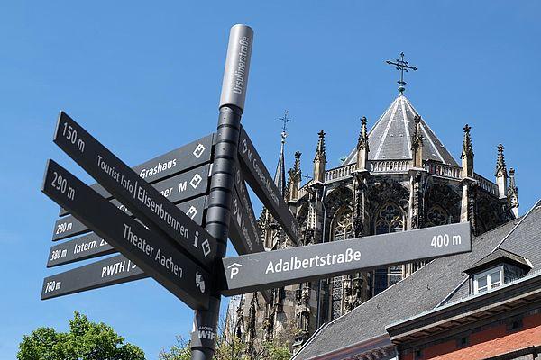 Fußgängerbeschilderung Aachen