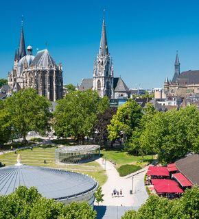 Blick über den Elisengarten Aachen
