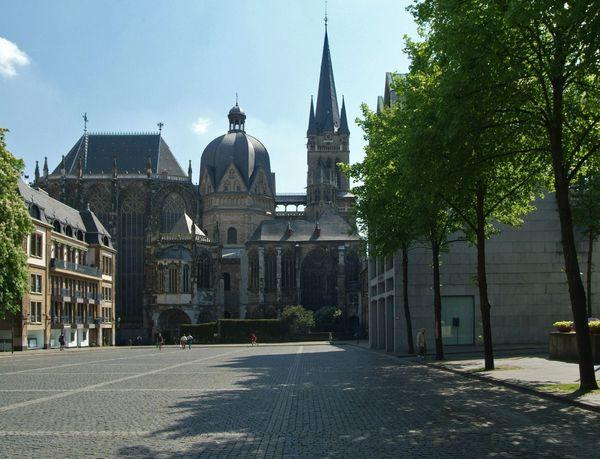 Aachener Dom Katschhof