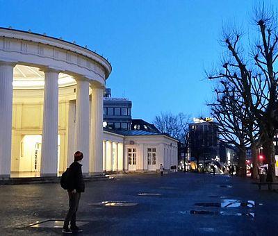 Elisenbrunnen Aachen bei Nacht