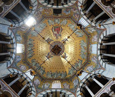 Kuppelmosaik im Aachener Dom